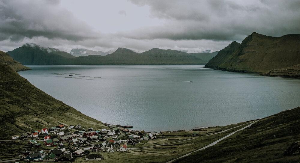 Cuoc song giau co o hon dao quanh nam mua bao hinh anh 1 Tu_Nguyen_Wedding_Faroe_Islands_Elopement_15.jpg