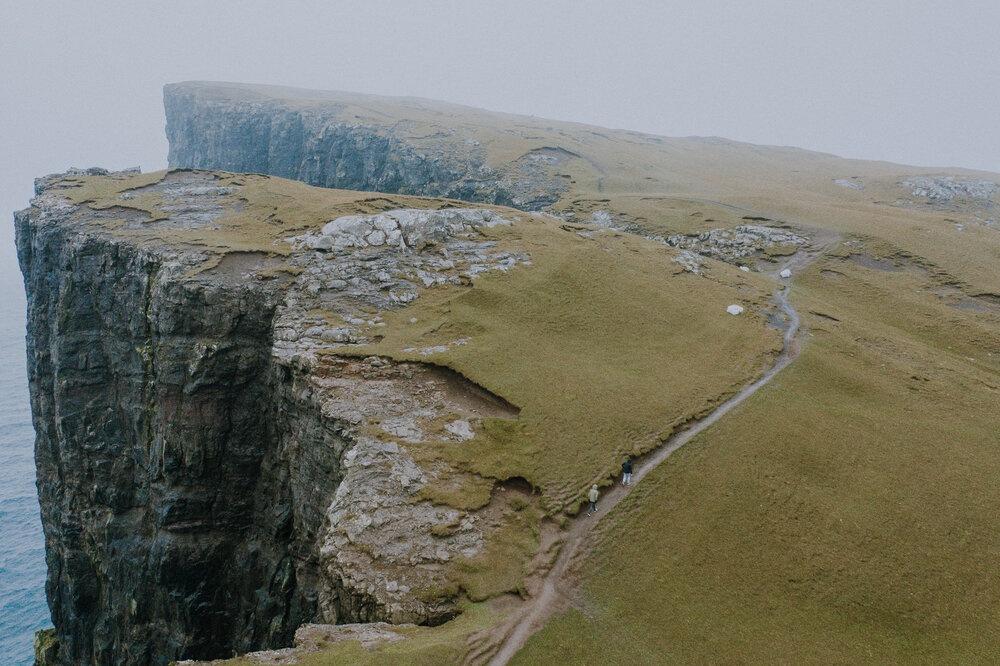 Cuoc song giau co o hon dao quanh nam mua bao hinh anh 14 Tu_Nguyen_Wedding_Faroe_Islands_Elopement_33.jpg