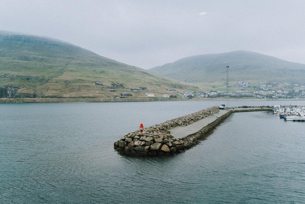 Cuoc song giau co o hon dao quanh nam mua bao hinh anh 10 Tu_Nguyen_Wedding_Faroe_Islands_Elopement_49.jpg