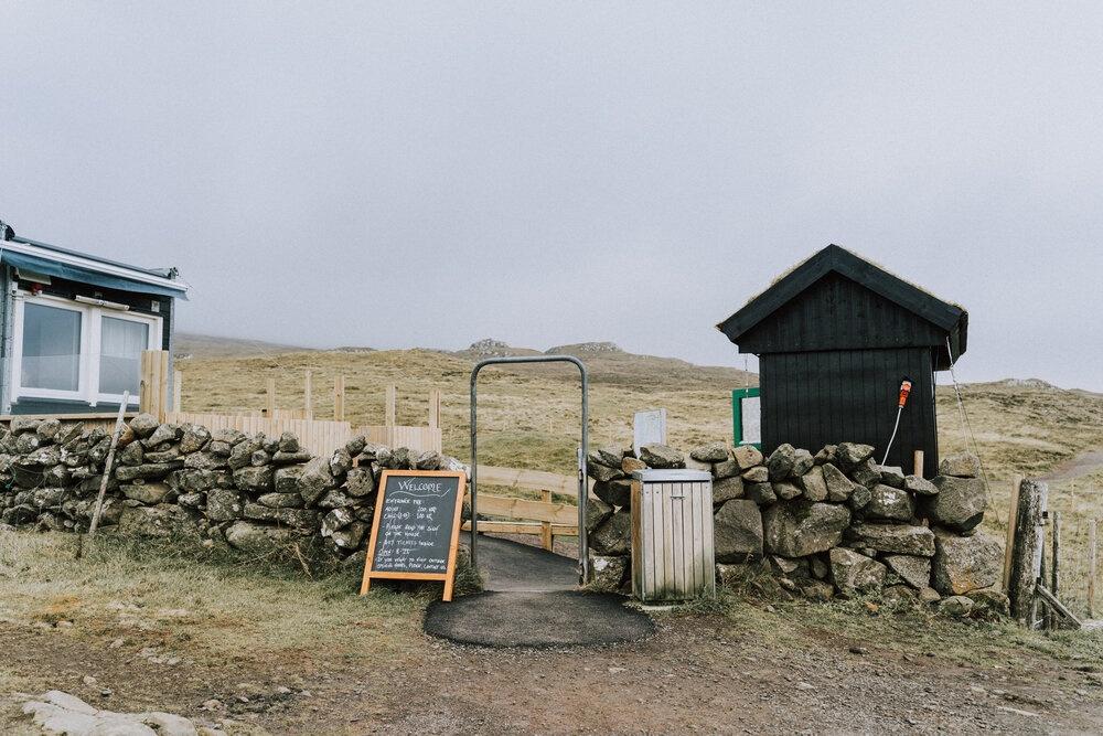 Cuoc song giau co o hon dao quanh nam mua bao hinh anh 6 Tu_Nguyen_Wedding_Faroe_Islands_Elopement_57.jpg
