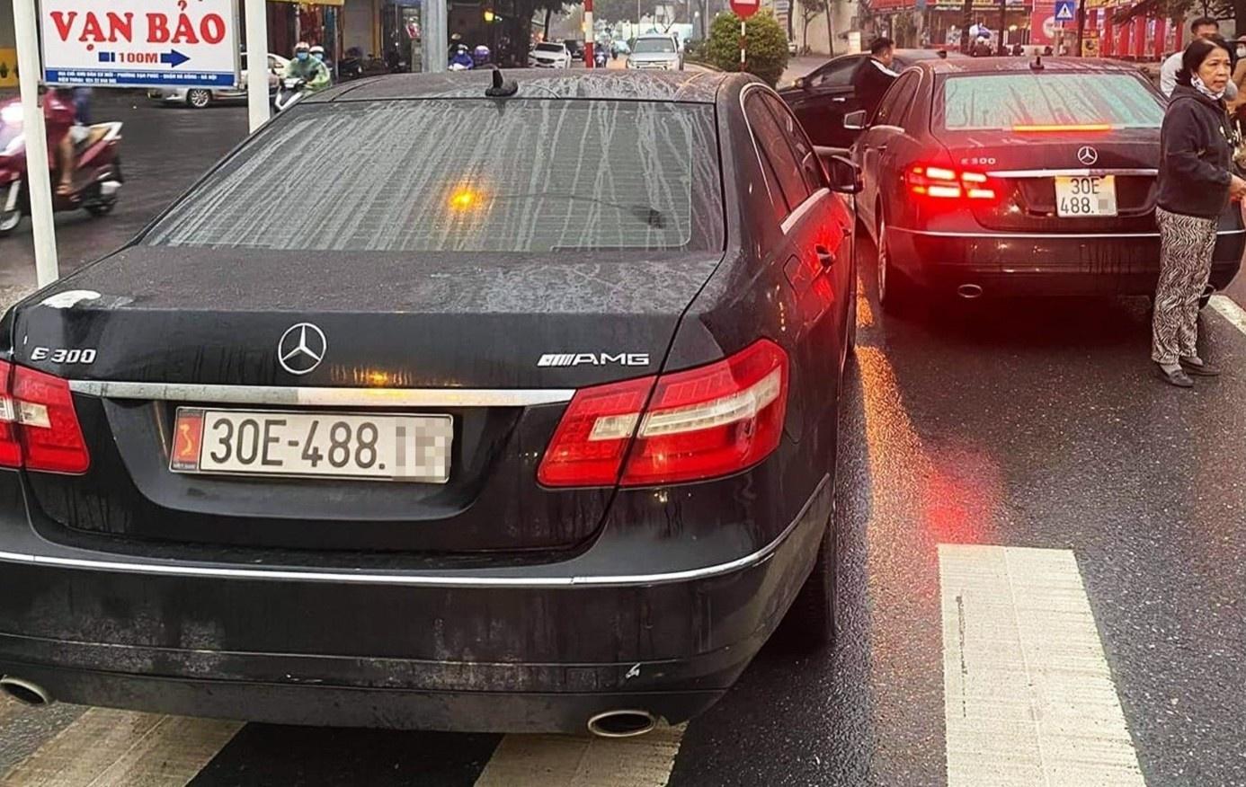 Một chủ xe Mercedes E300 không xuất trình được giấy tờ