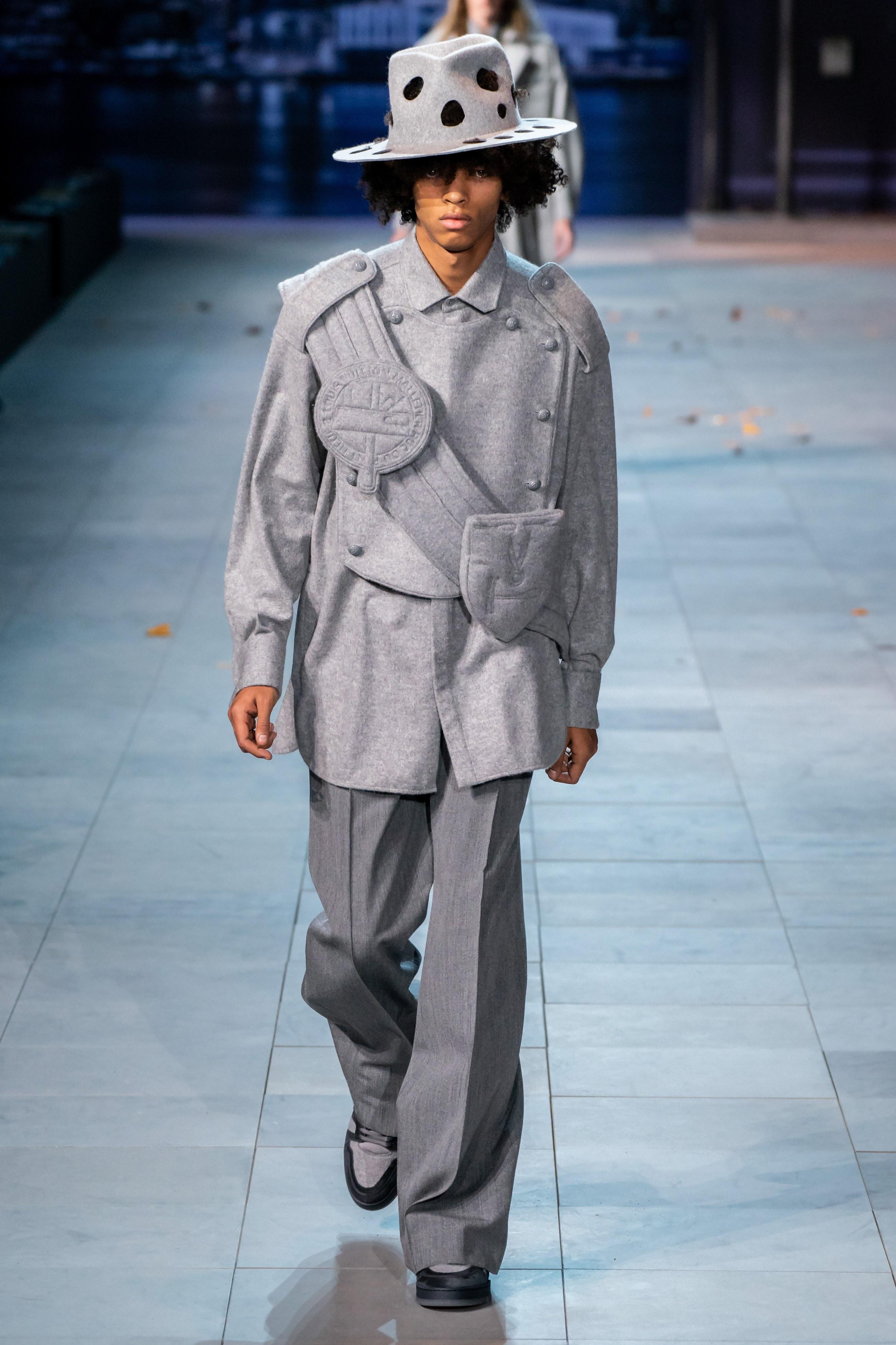 Michael Jackson an hien trong show dien thoi trang nam Louis Vuitton hinh anh 4