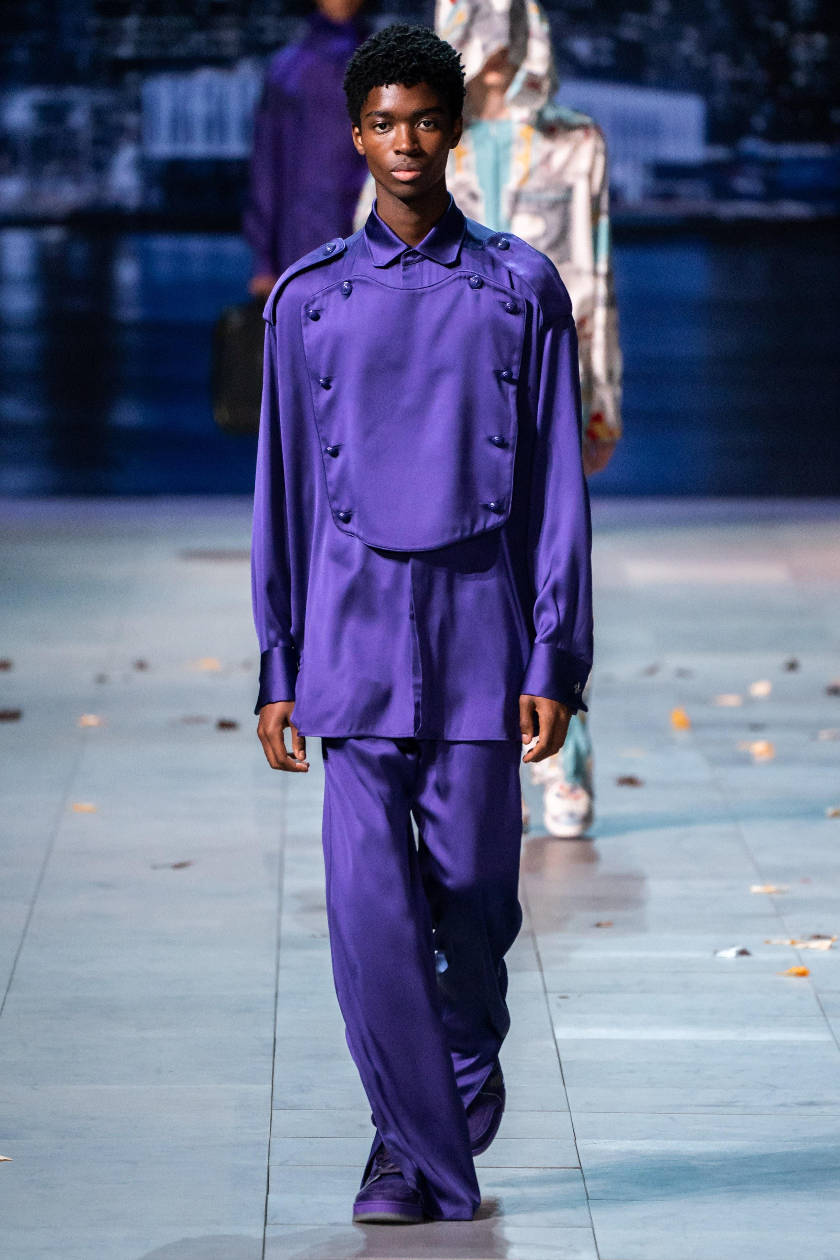 Michael Jackson an hien trong show dien thoi trang nam Louis Vuitton hinh anh 10
