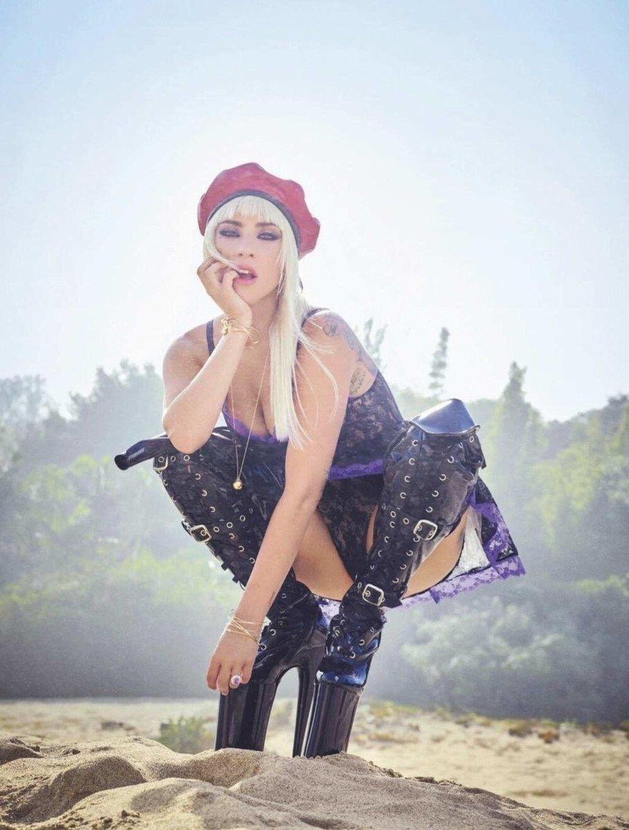 Phong cach thoi trang Lady Gaga anh 19