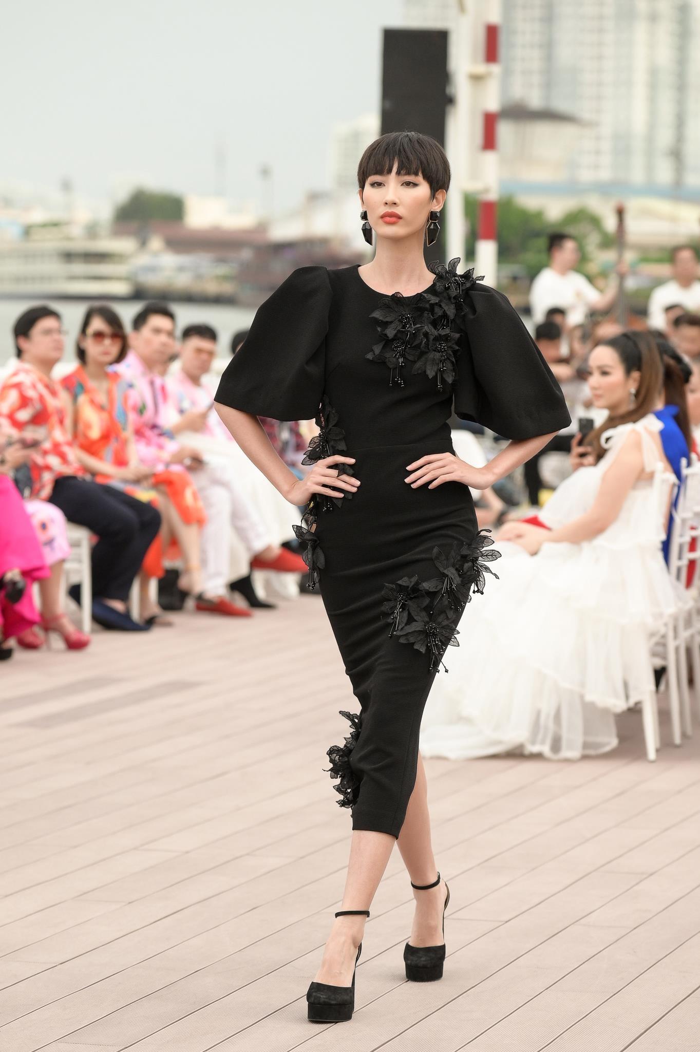 Thanh Hang 'dung do' Vo Hoang Yen tren san dien sau cang thang hinh anh 8