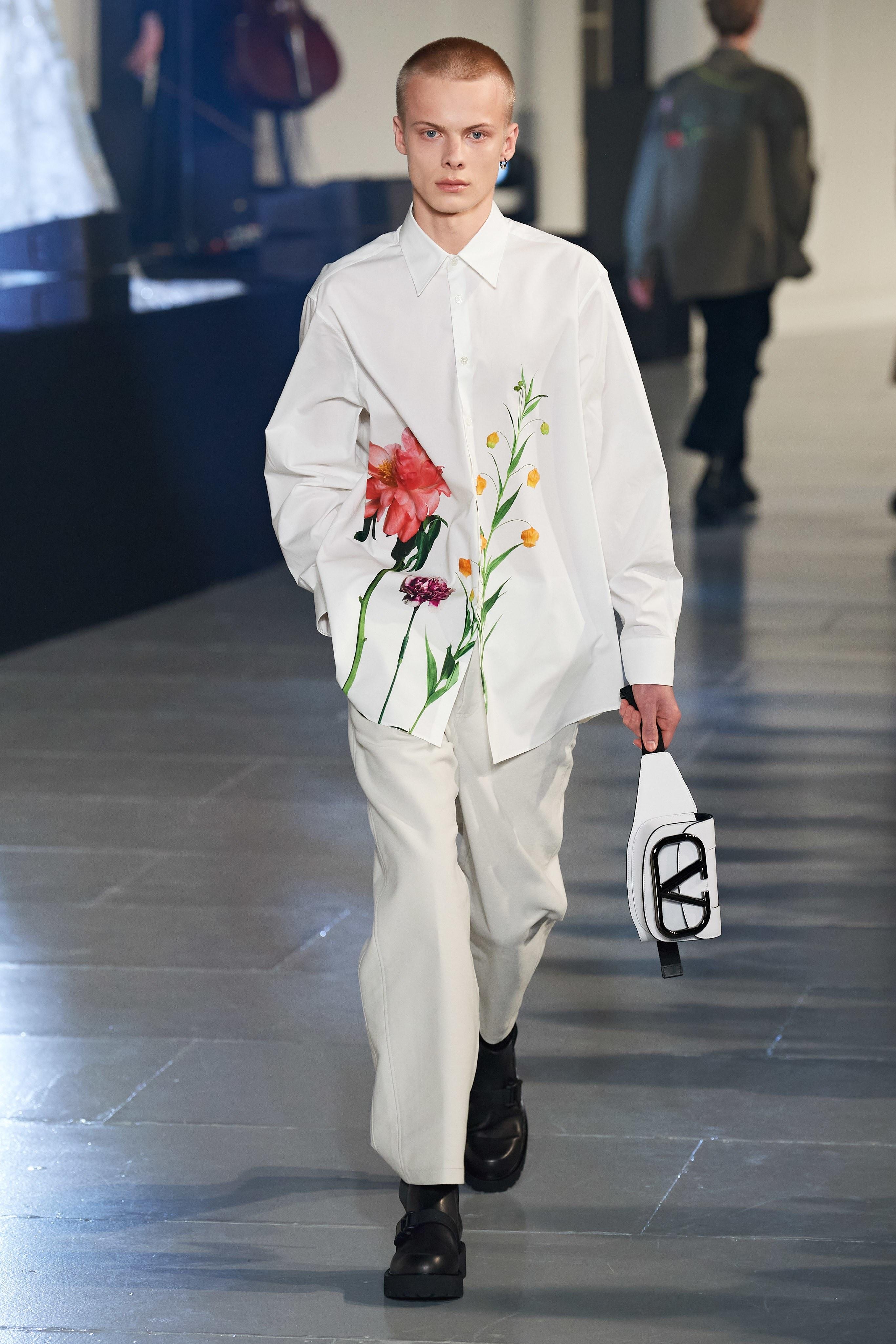 Valentino khang dinh dang cap, xoa mo dinh kien qua nhung nhanh hoa hinh anh 3 VL3.1.jpg