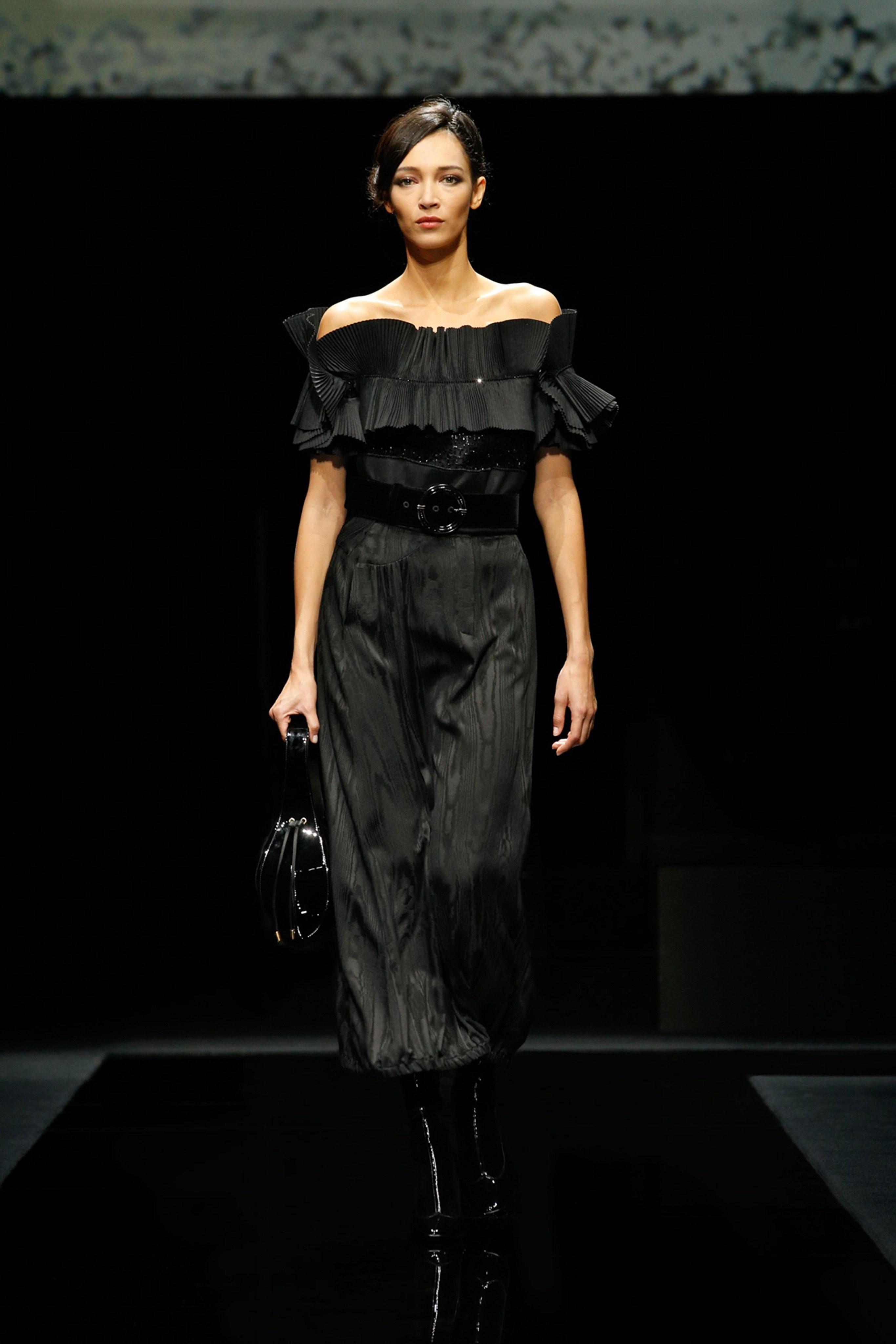 Khong co khach moi den Milan Fashion Week vi lo ngai virus corona hinh anh 16 g16.jpg