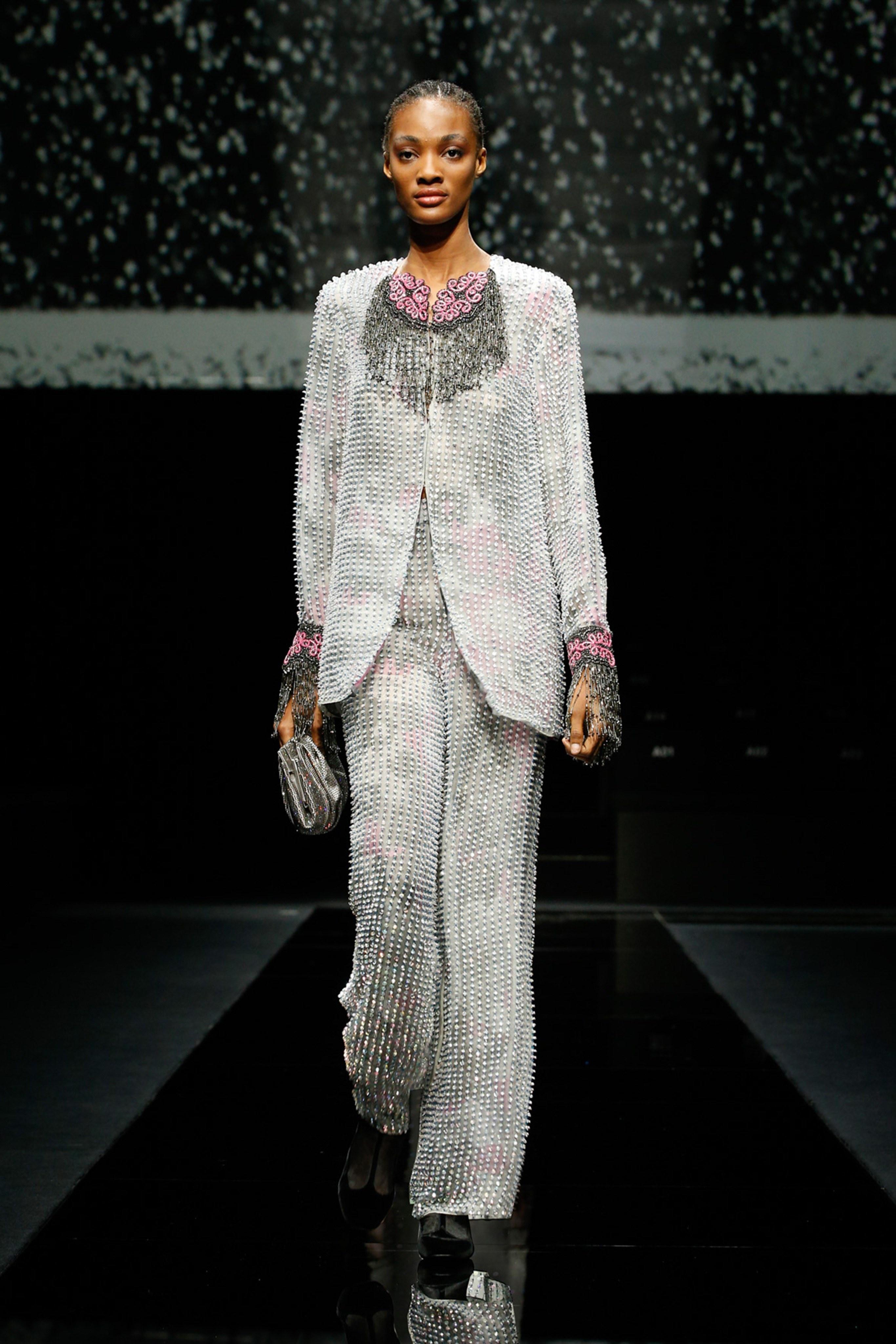 Khong co khach moi den Milan Fashion Week vi lo ngai virus corona hinh anh 17 g19.jpg