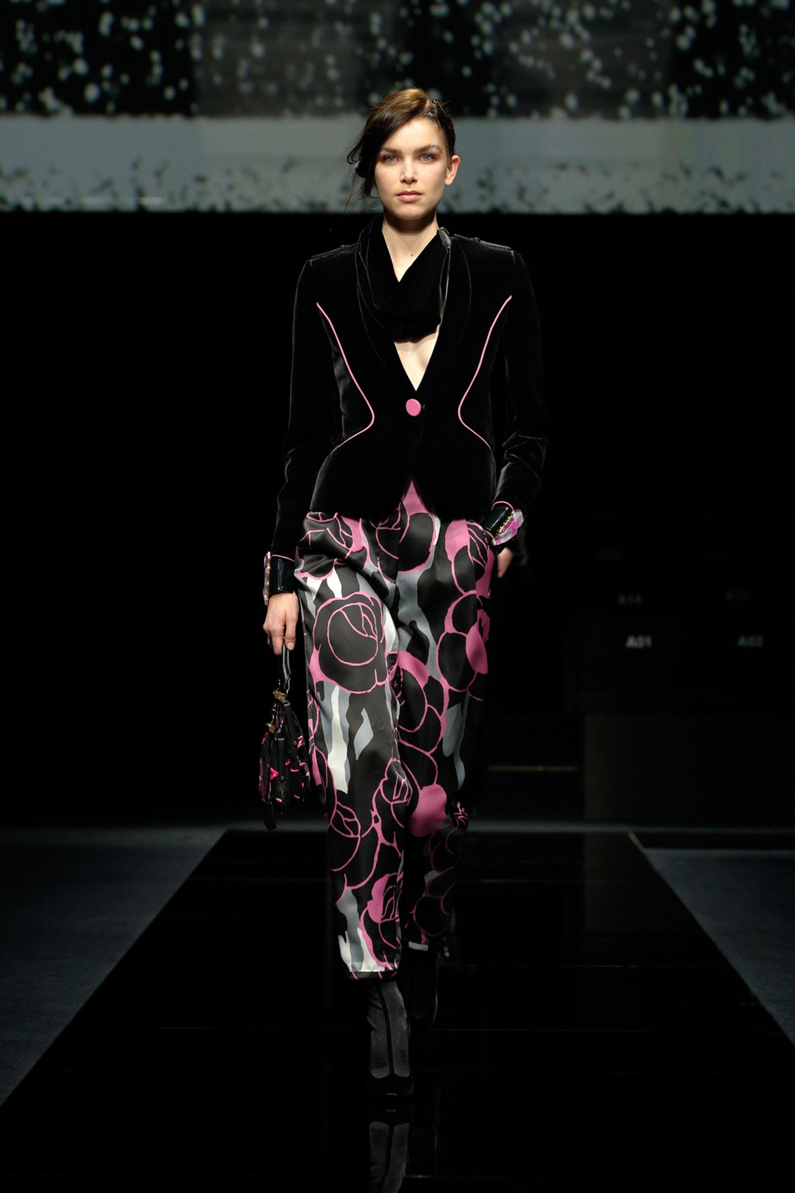 Khong co khach moi den Milan Fashion Week vi lo ngai virus corona hinh anh 2 g2.jpg