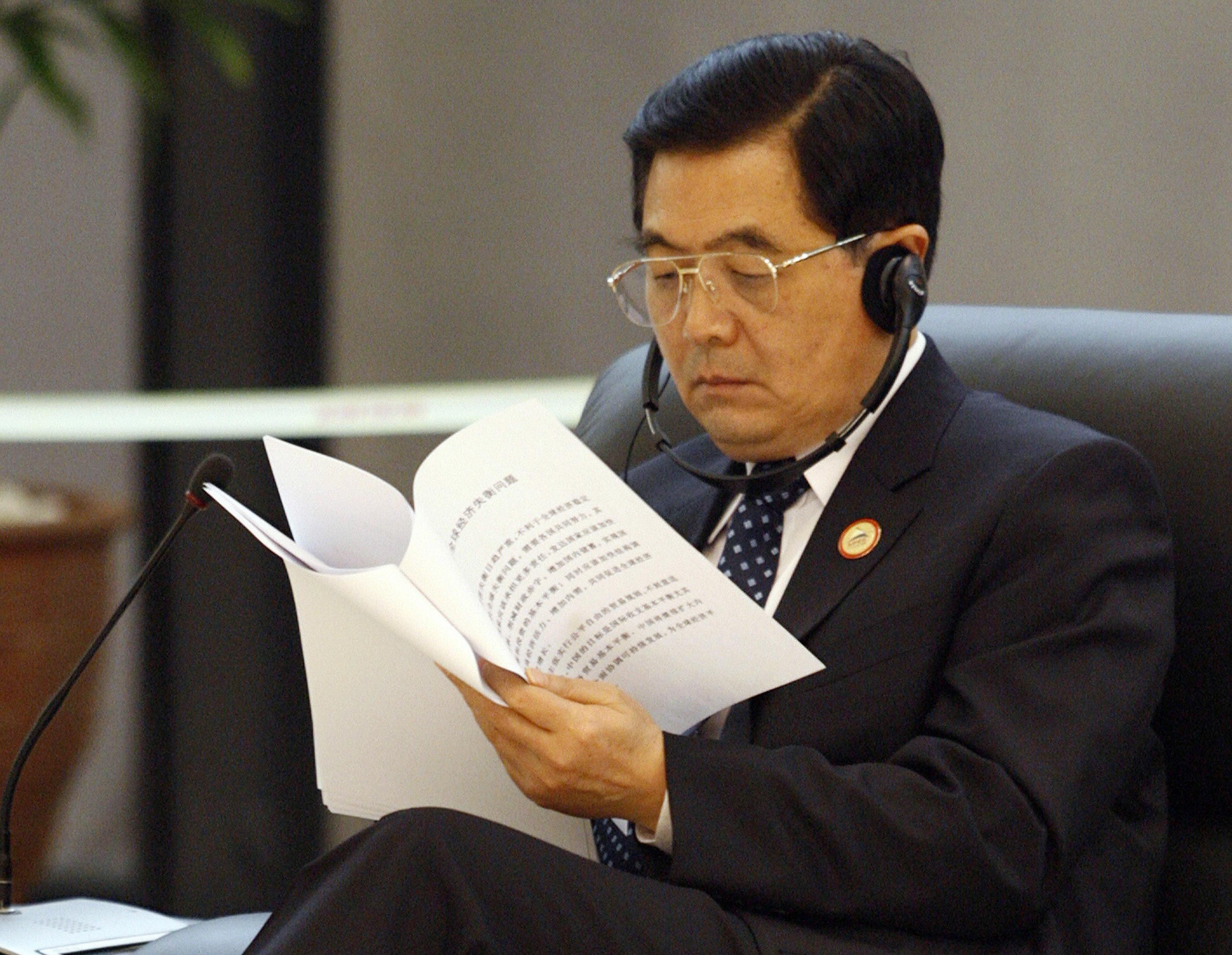 APEC 2006: Xu ly khong kheo, mot la phieu bo di la minh cung kho khan hinh anh 9