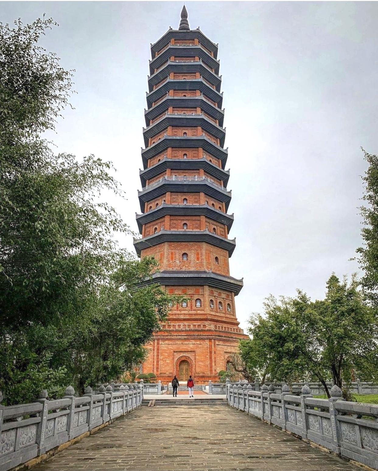 Nhung ngoi chua noi tieng Viet Nam anh 5  - IMG_8373 - Loạt tháp chùa đạt kỷ lục ở Việt Nam