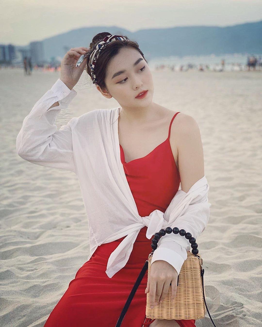 Tuong San - tu hot girl mang den top 8 Hoa hau Quoc te hinh anh 2