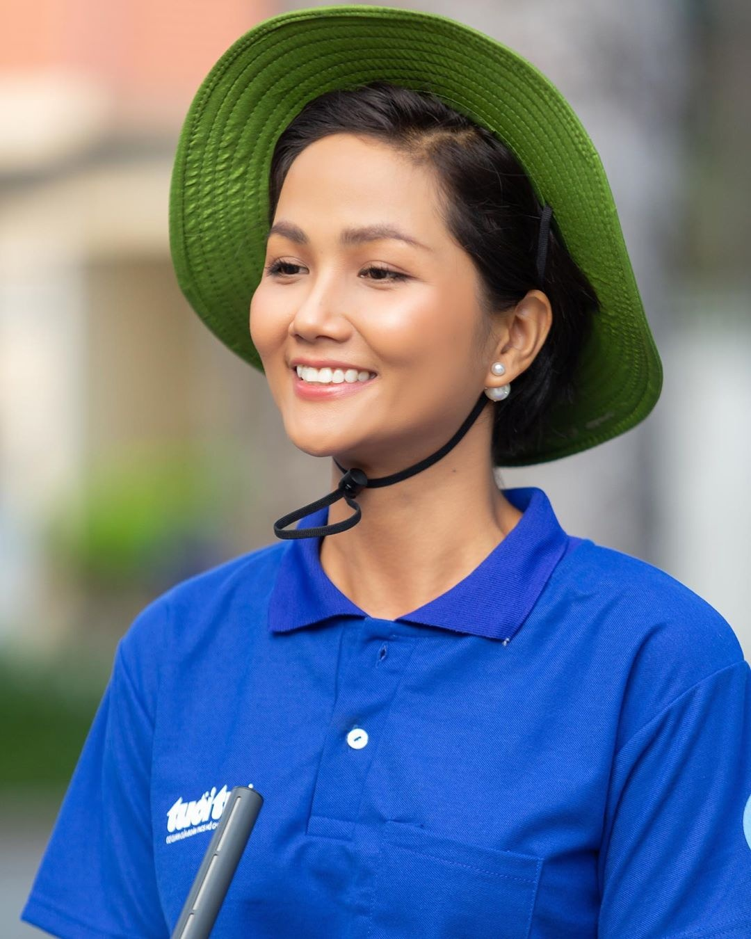 So phan khac biet cua 3 my nhan dang quang Hoa hau Hoan vu Viet Nam hinh anh 90