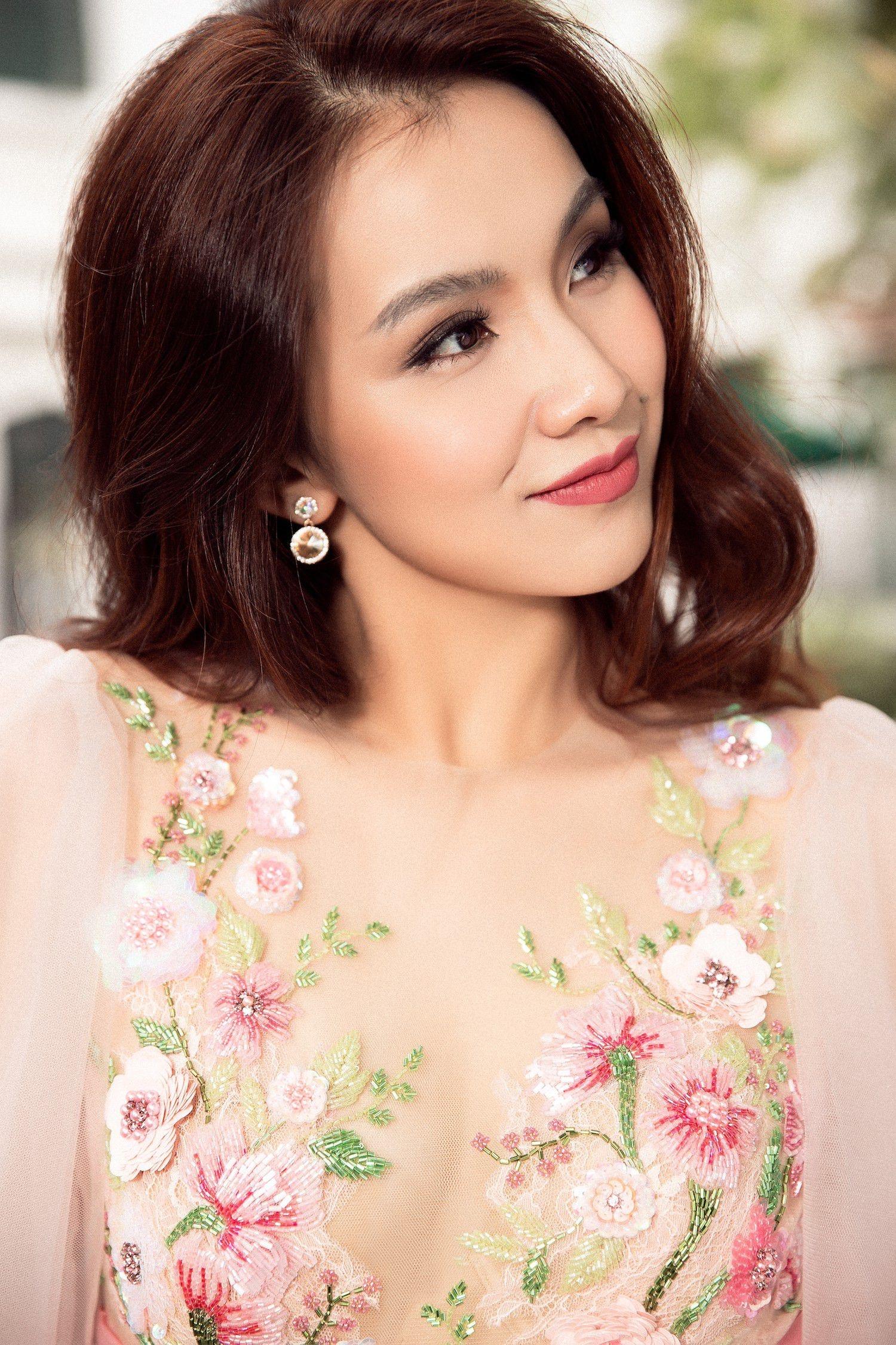 So phan khac biet cua 3 my nhan dang quang Hoa hau Hoan vu Viet Nam hinh anh 20