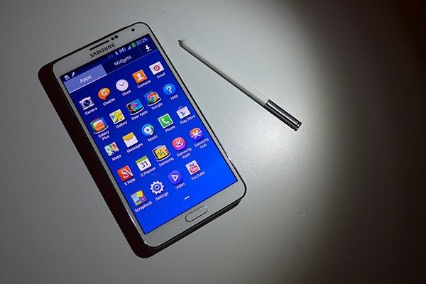 8 nam Galaxy Note: Tu ke bi hoai nghi den di dong di dau ve sang tao hinh anh 4