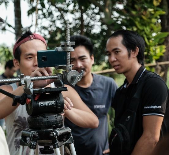 Lam phim tren smartphone o Viet Nam - chuyen kho trong… tam tay hinh anh 9