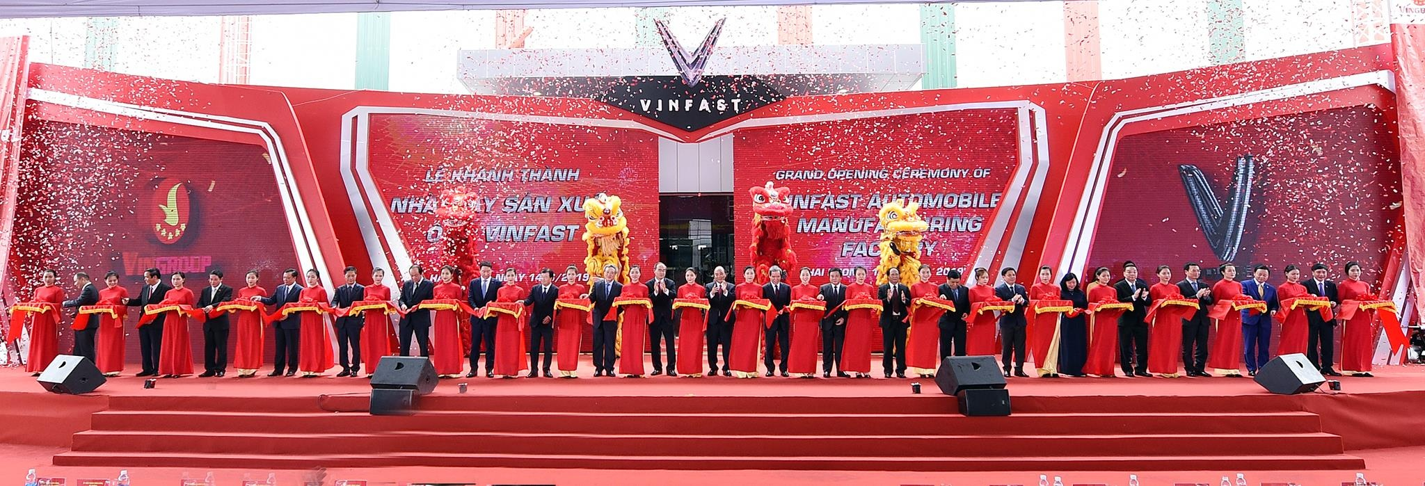 Nha may VinFast - tu dam lay thanh to hop san xuat xe cong nghe cao hinh anh 16