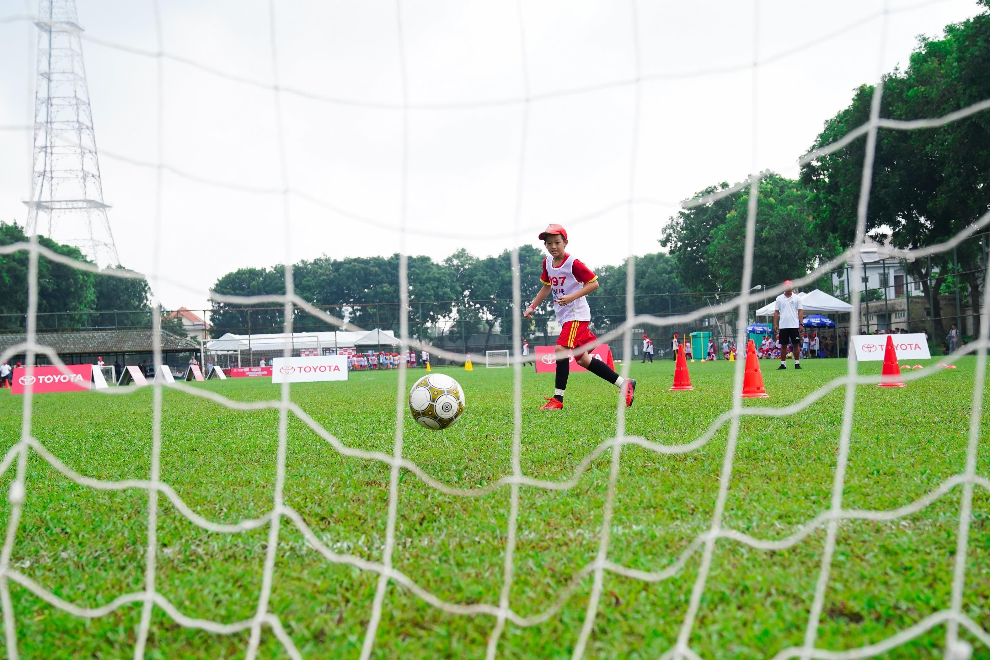 Toyota Junior Football - hanh trinh 'gieo uoc mo' cho cac cau thu nhi hinh anh 12