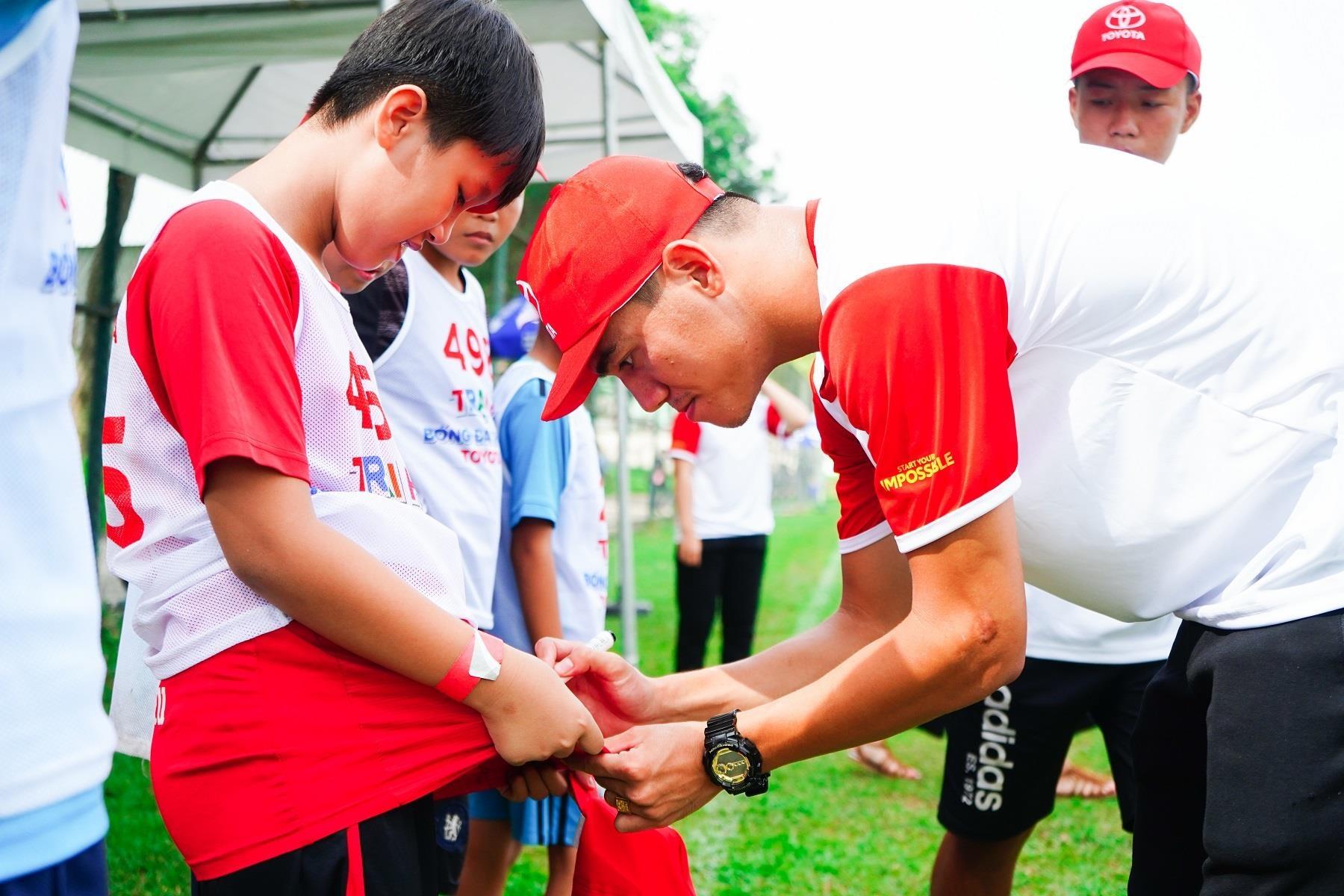 Toyota Junior Football - hanh trinh 'gieo uoc mo' cho cac cau thu nhi hinh anh 11