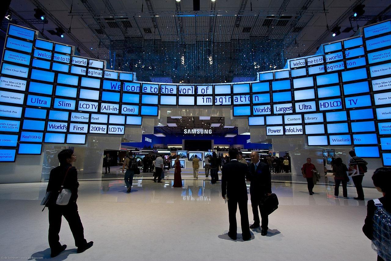 Hanh trinh 13 nam Samsung tien phong chinh phuc nganh cong nghiep TV hinh anh 2