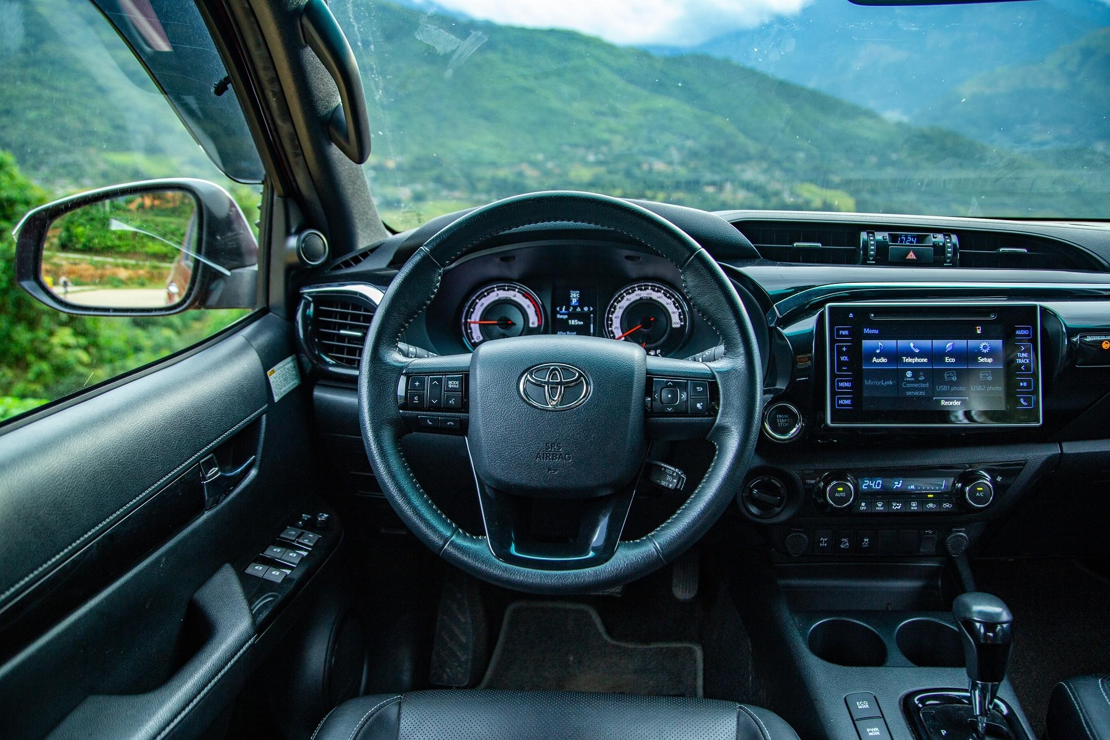 Toyota Hilux - su tong hoa day quyen ru hinh anh 9