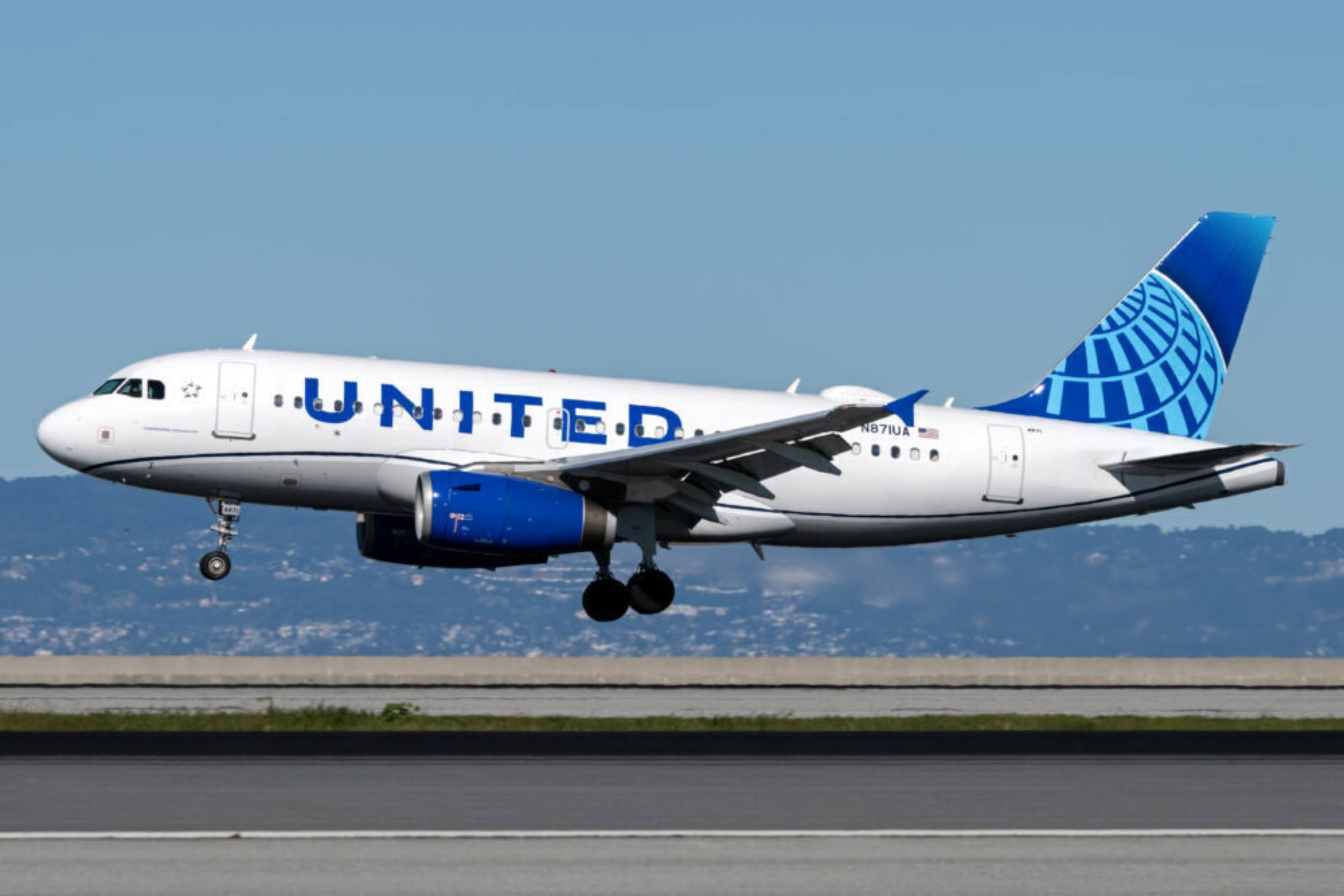 Vietjet anh 1  - united_air_1 - Hàng không nhiều nước bắt đầu sôi động