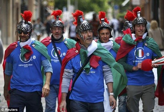 Italy vs Thuy Dien anh 18