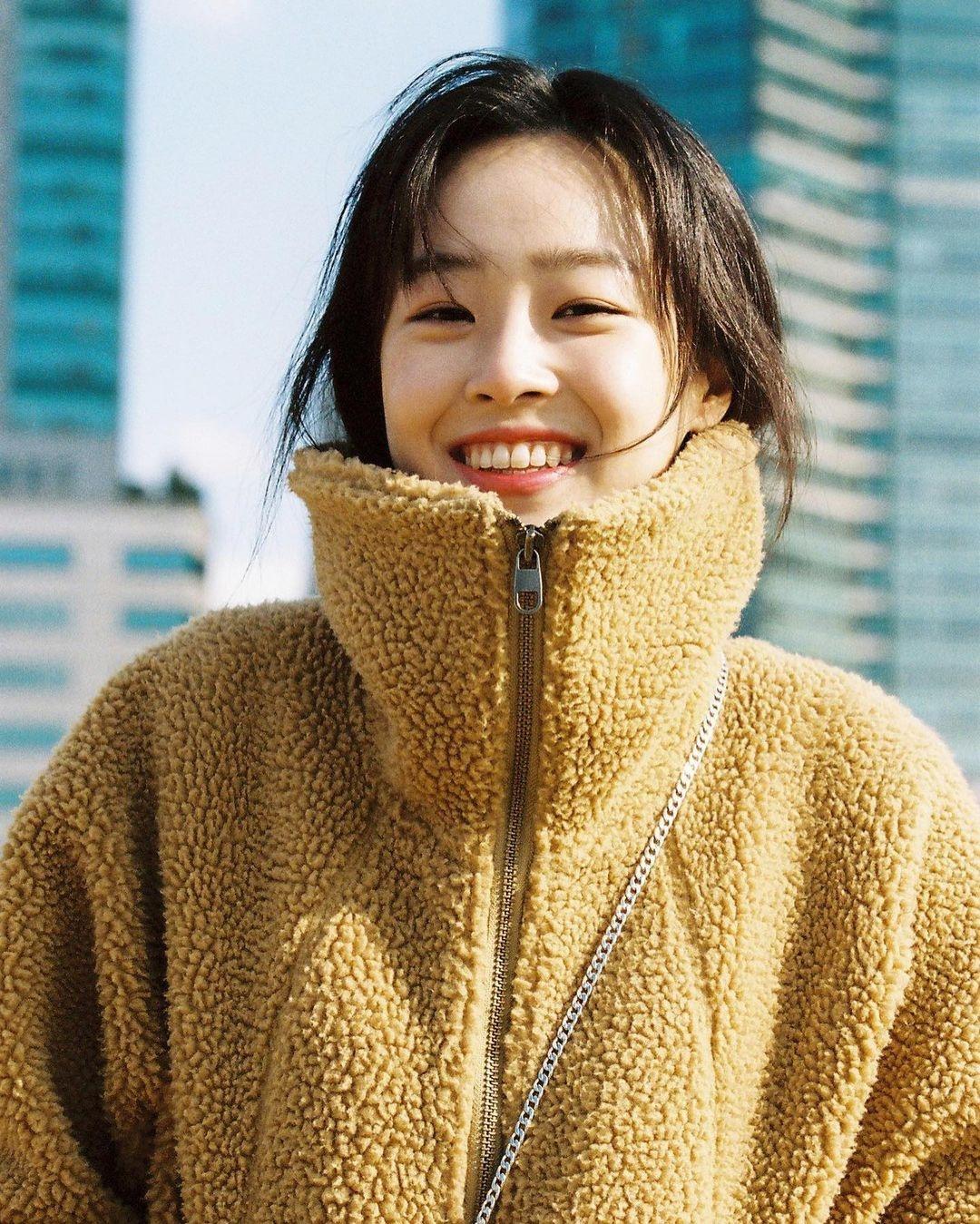 Nhan sac cʋa Choi Ye Bin anҺ 6