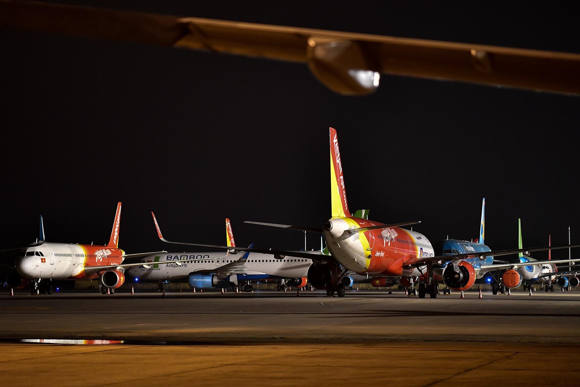 Từ cuối tháng 3 đến nay, các hãng hàng không Việt Nam phải dừng toàn bộ các đường bay thương mại quốc tế. Ảnh: Khánh Huyền.