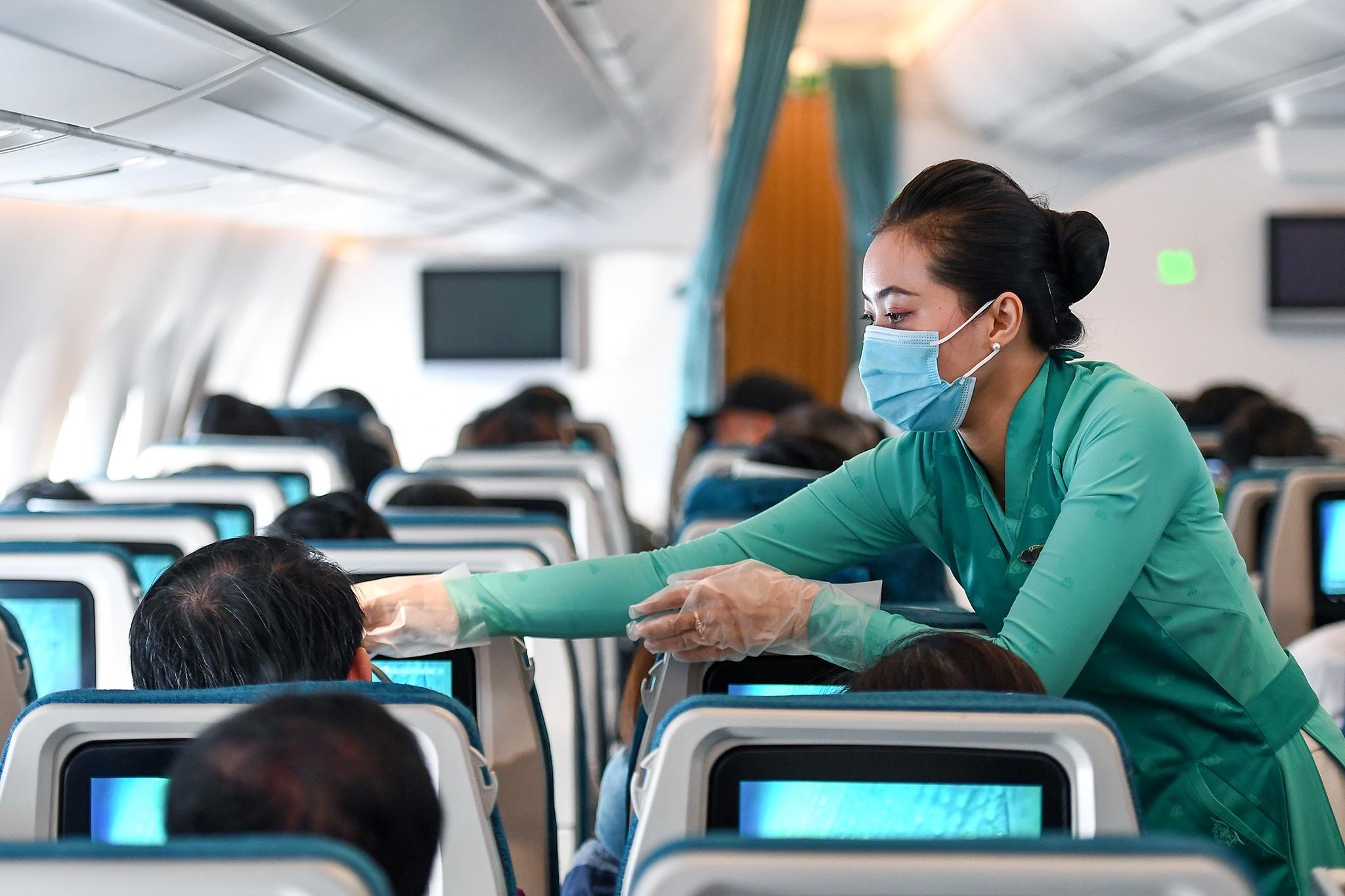 Đề xuất khôi phục vận tải hàng không theo 4 giai đoạn