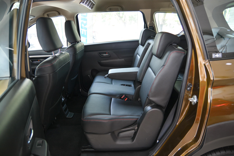 SUV 7 cho gia lan banh duoi 800 trieu dong anh 10