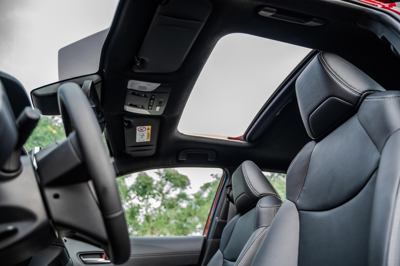 Chon Kia Seltos 1.4 Premium hay Toyota Corolla Cross 1.8V? anh 14