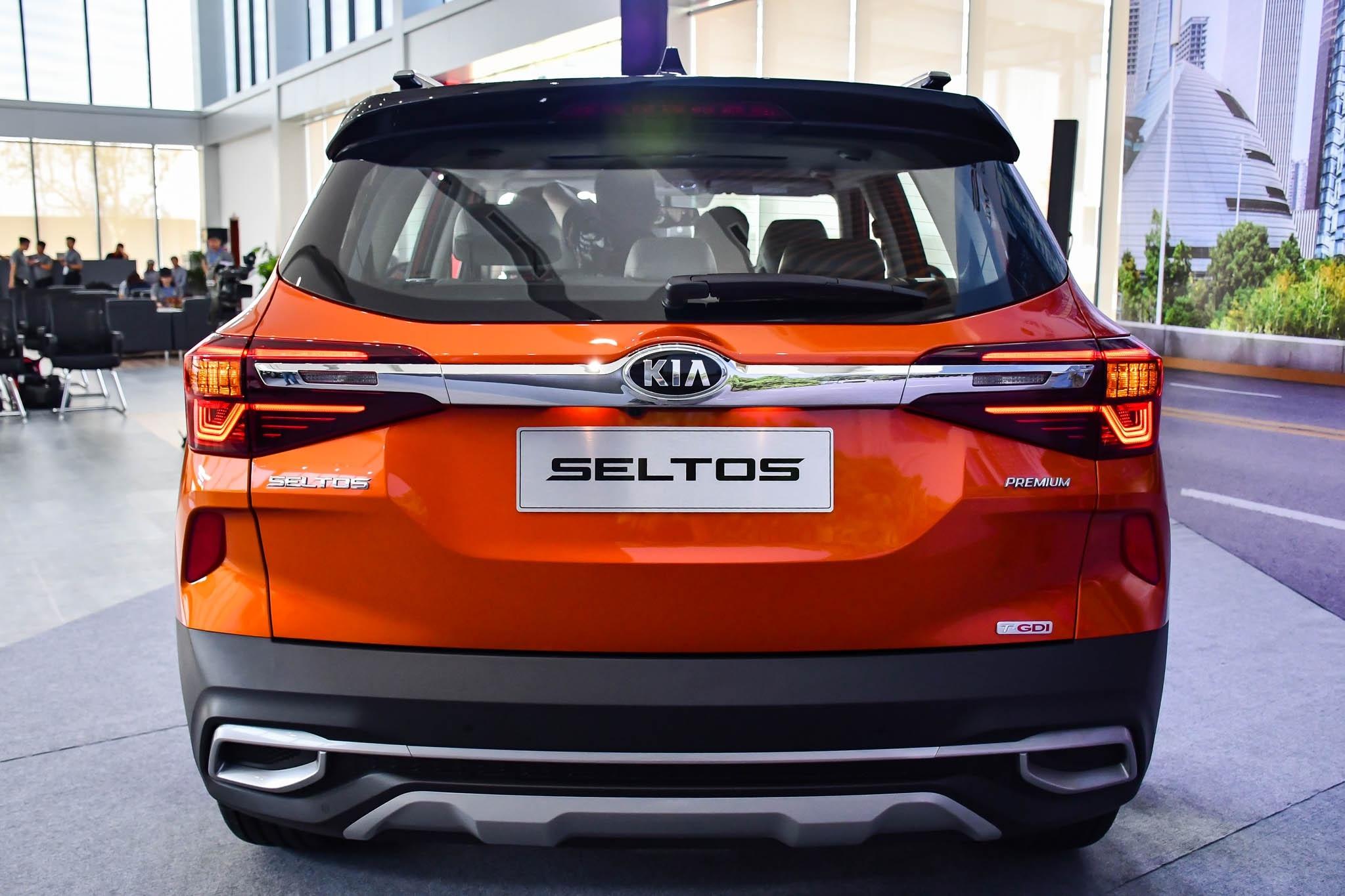 Chon Kia Seltos 1.4 Premium hay Toyota Corolla Cross 1.8V? anh 8