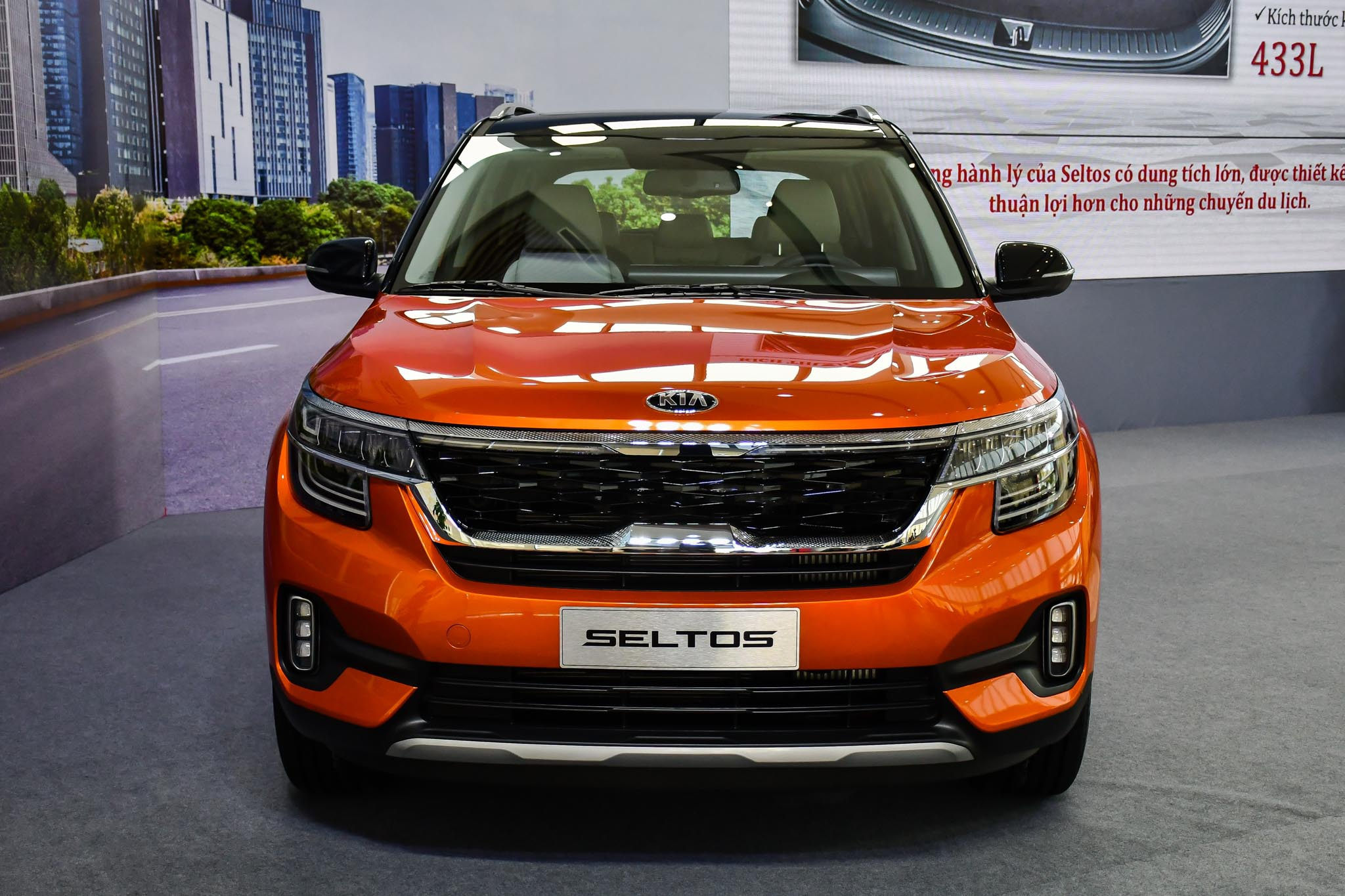 Chon Kia Seltos 1.4 Premium hay Toyota Corolla Cross 1.8V? anh 4