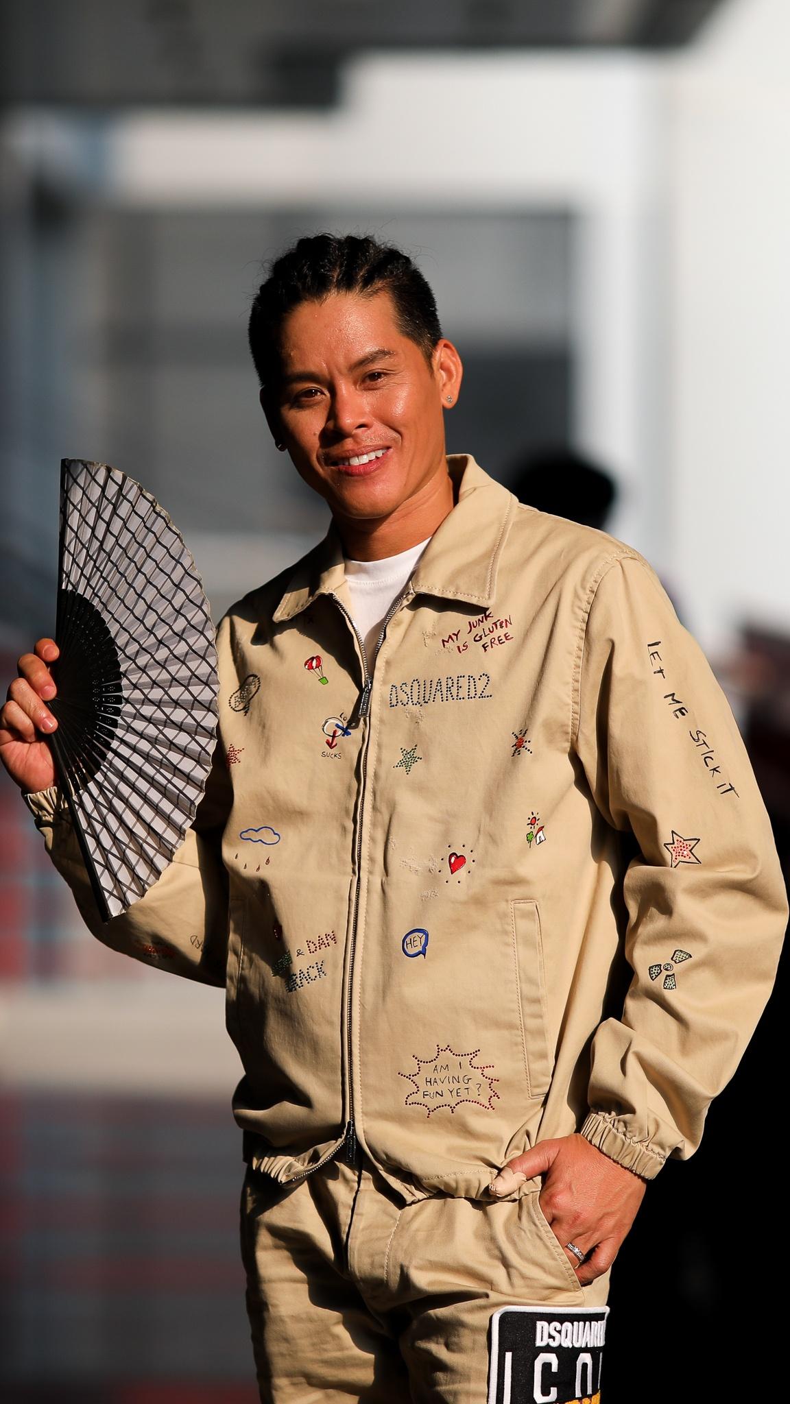 John Huy Tran lam giam khao show vu dao anh 2