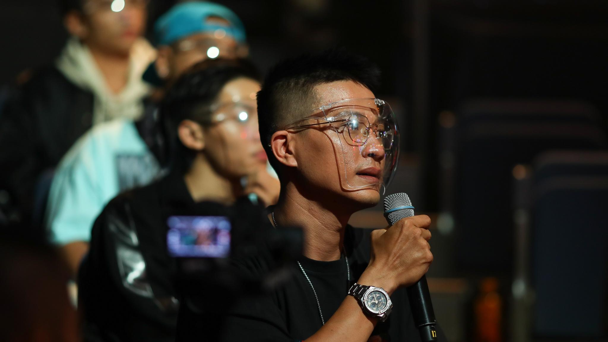 John Huy Tran lam giam khao show vu dao anh 31