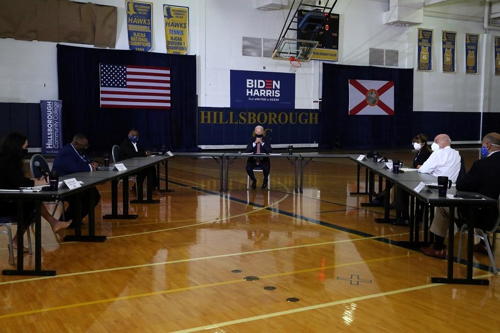 Joe Biden phong tranh Covid-19 anh 4