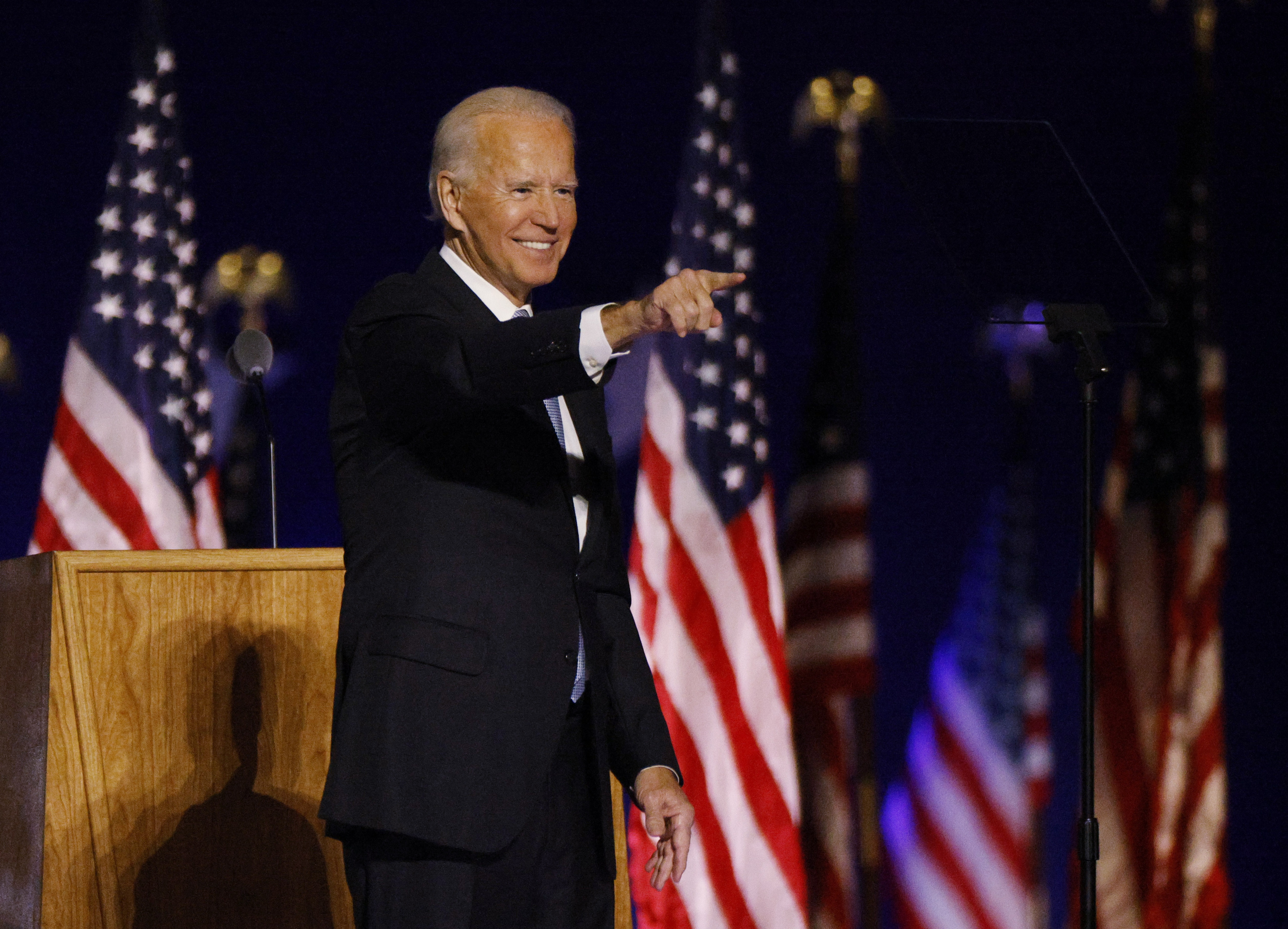 2020_11_08T015843Z_2103985_HP1EGB805HVKX_RTRMADP_3_USA_ELECTION_BIDEN.JPG