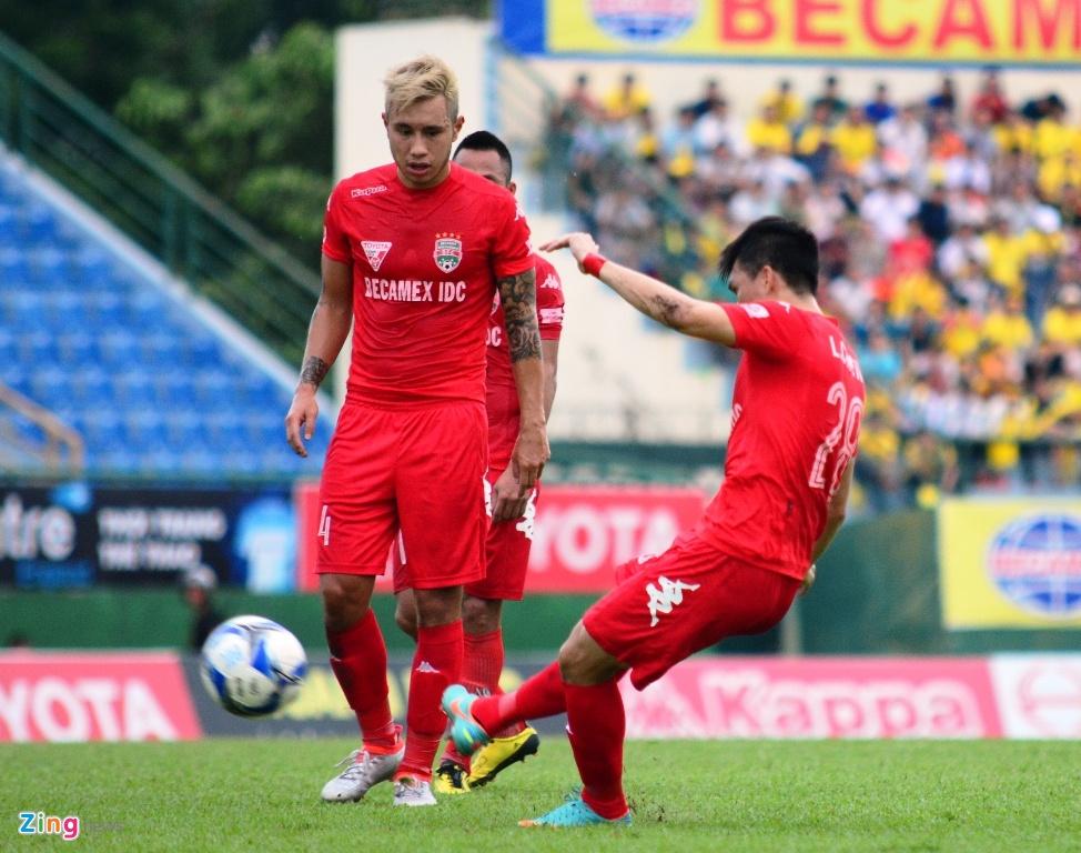 Trong Hoang nhan the do, Binh Duong thua Thanh Hoa 0-3 hinh anh 2