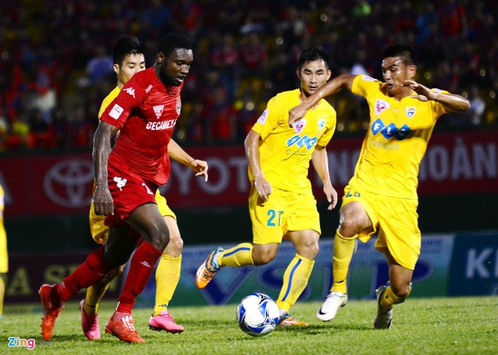 Trong Hoang nhan the do, Binh Duong thua Thanh Hoa 0-3 hinh anh 5