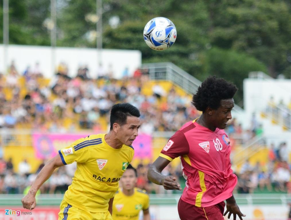Tran CLB Sai Gon vs SLNA anh 6