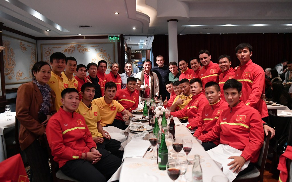 Tuyen futsal Viet Nam sang Colombia du World Cup hinh anh 3
