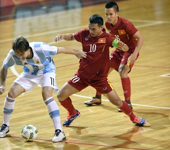 Tuyen futsal Viet Nam sang Colombia du World Cup hinh anh 1