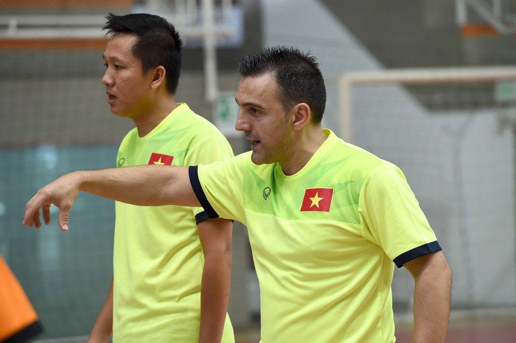 Tuyen futsal Viet Nam tap tai Colombia anh 2