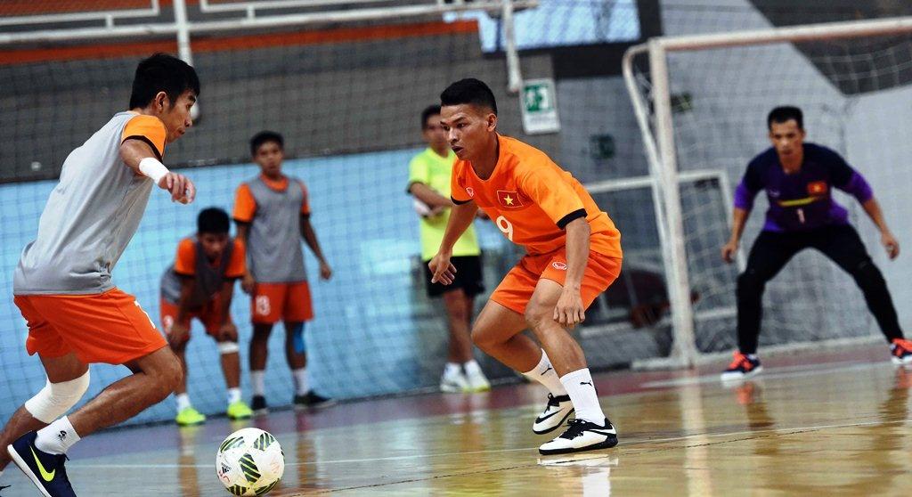 Tuyen futsal Viet Nam tap buoi dau tien tai Colombia hinh anh 5