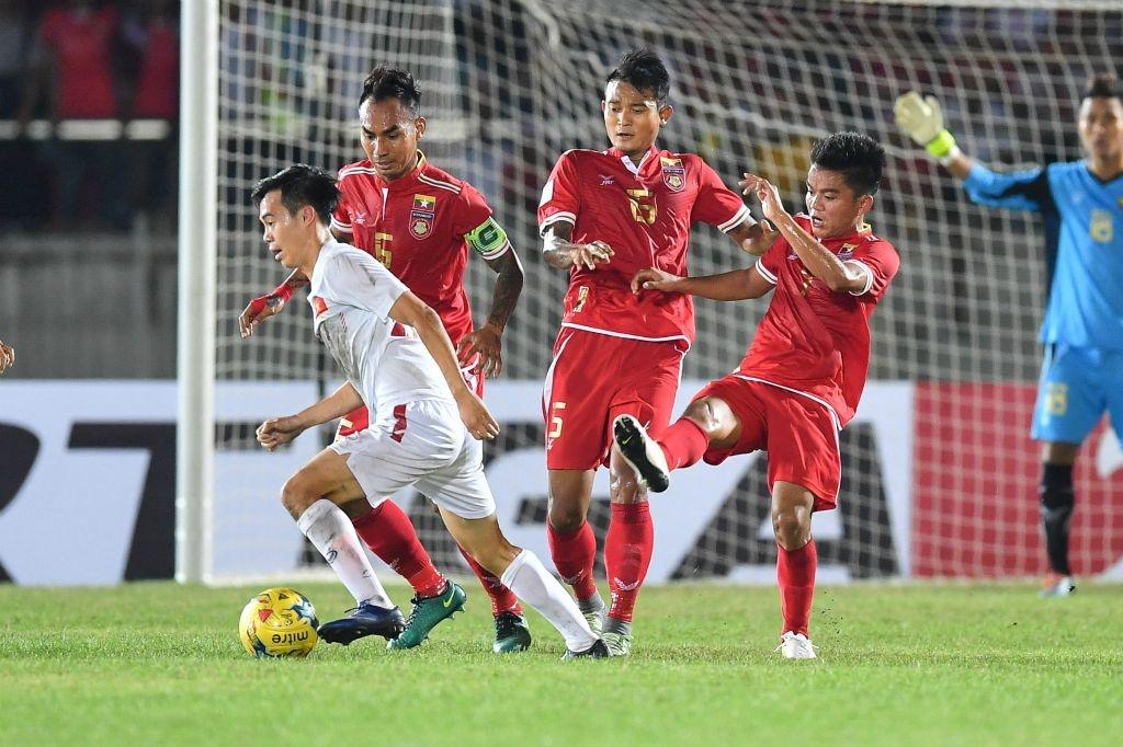 Cham diem tran Viet Nam vs Myanmar anh 9