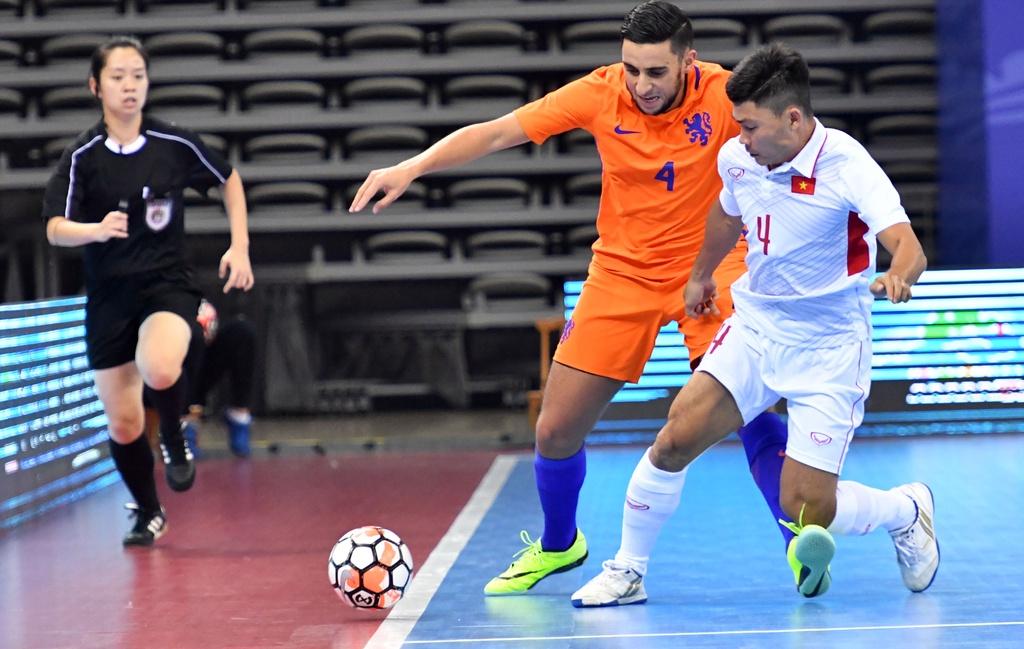 Futsal Viet Nam hoa Ha Lan 2-2 anh 4