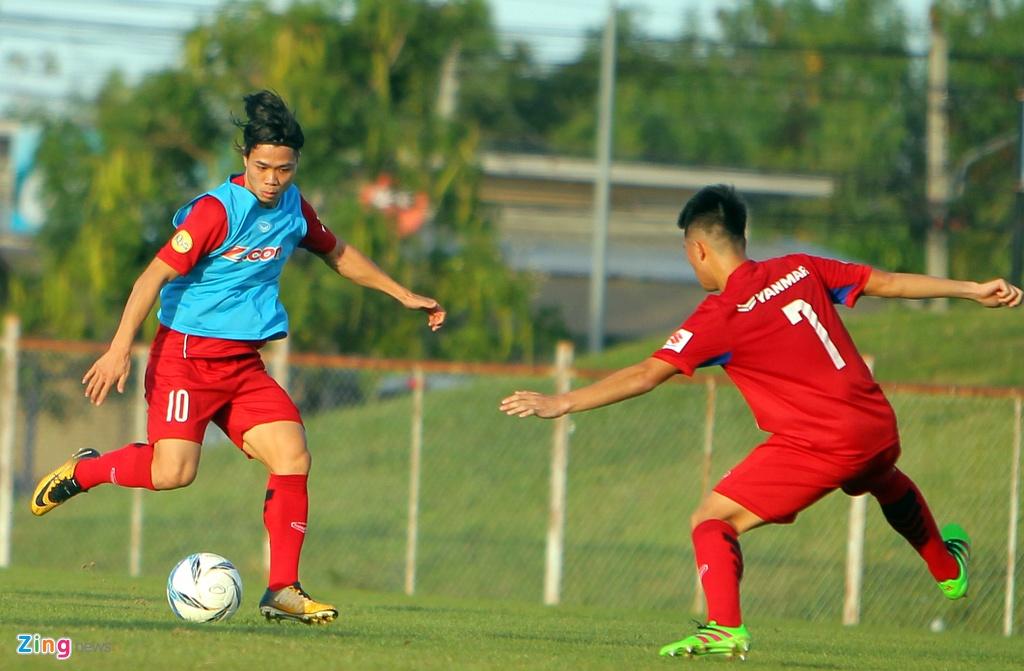 Cong Phuong, Van Toan lam chu cong cua U23 Viet Nam hinh anh 5