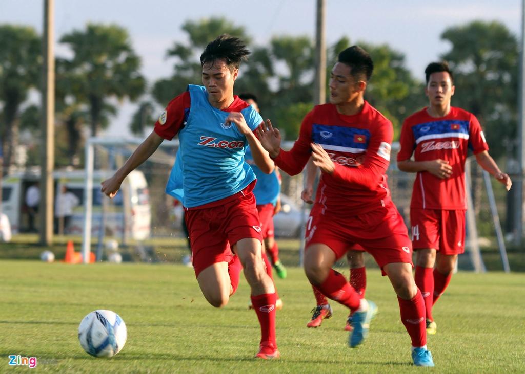 Cong Phuong, Van Toan lam chu cong cua U23 Viet Nam hinh anh 2