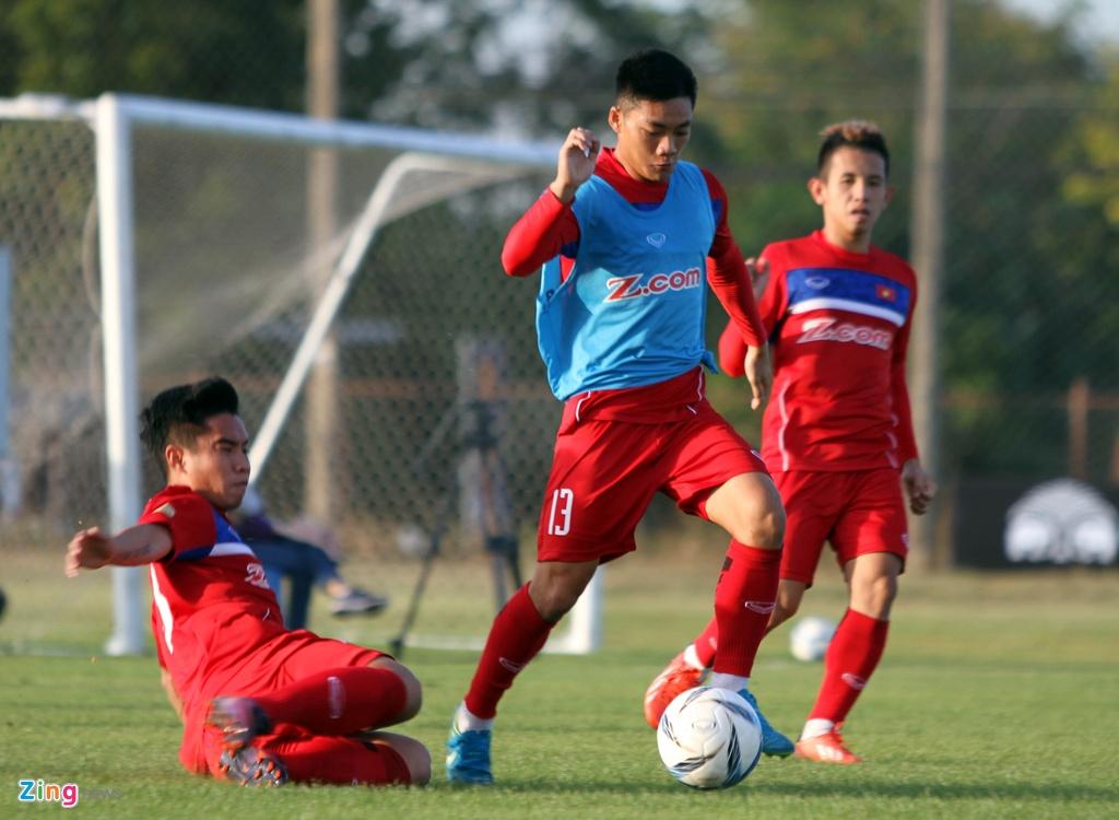 Cong Phuong, Van Toan lam chu cong cua U23 Viet Nam hinh anh 6
